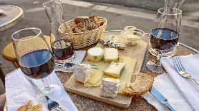 Weinreise & Käseplatte (WeinBar)
