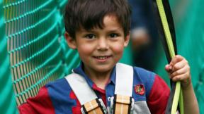 Kind im Kinderparcours
